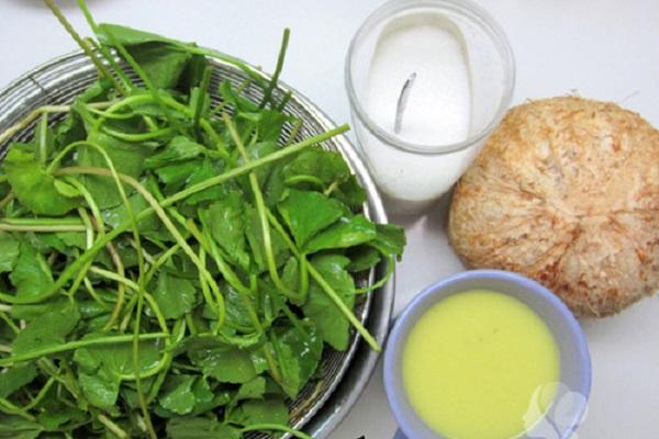 sinh tố rau má nước dừa