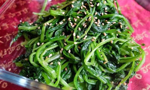 món ăn từ cải bó xôi