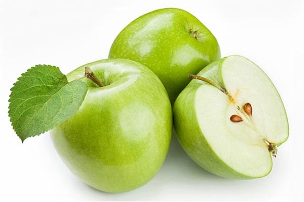 Giảm cân sau sinh bằng táo xanh