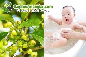 Tắm lá vối cho trẻ sơ sinh