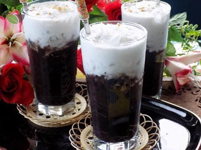 Chè đậu đen nước cốt dừa xiêm