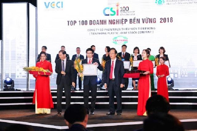 Lễ trao giải top 10 doanh nghiệp phát triển bền vững